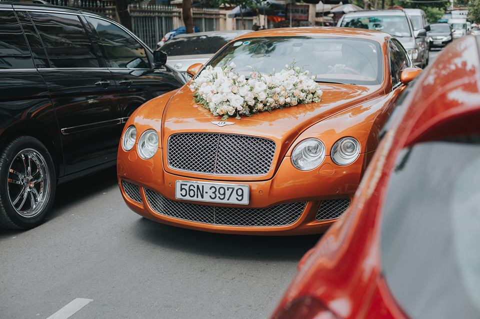 Trang trí xe hoa tươi