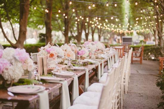 phu-kien-trang-tri-dam-cuoi-mua-o-dau-white wedding